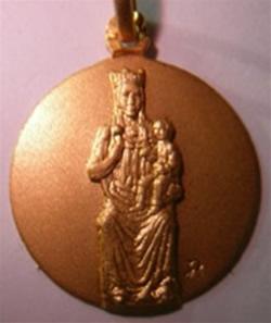 medalla virgen blanca de vitoria