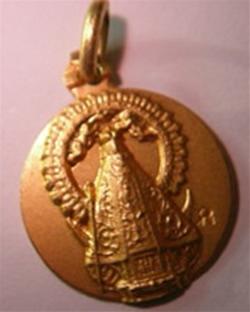 medalla virgen poveda