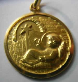 medalla niño jesus nacimiento