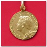 medalla San Benito joven