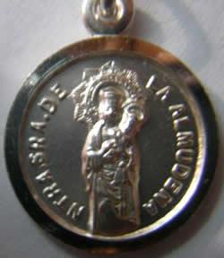 medalla virgen de la almudena
